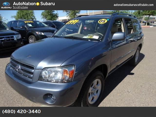 2005 Toyota Highlander  traction control abs 4-wheel air conditioning power windows power doo