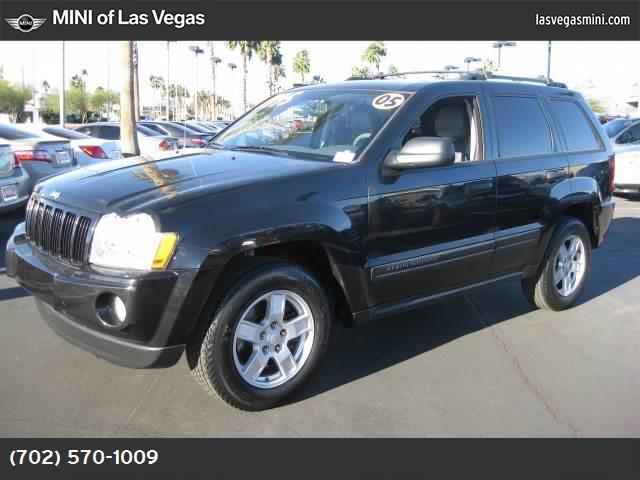 2005 Jeep Grand Cherokee Laredo abs 4-wheel air conditioning power windows power door locks c