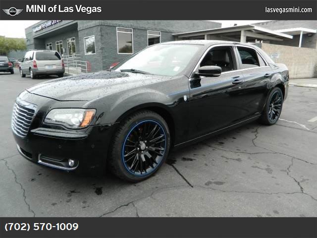 2012 Chrysler 300 Mopar 12 57l v8 hemi mds vvt engine  std black  leather bucket seats gloss b