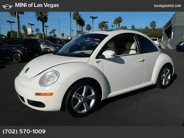 2008 Volkswagen New Beetle Coupe Triple White white traction control stability control front whe