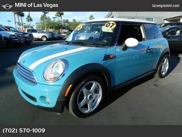 2007 MINI Cooper Hardtop  stability control abs 4-wheel air conditioning power windows power