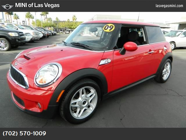 2009 MINI Cooper Hardtop S stability control abs 4-wheel air conditioning power windows power