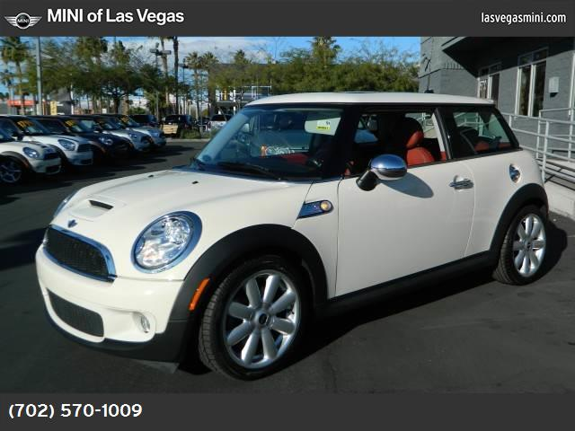 2010 MINI Cooper Hardtop S dynamic stability control abs 4-wheel air conditioning power window