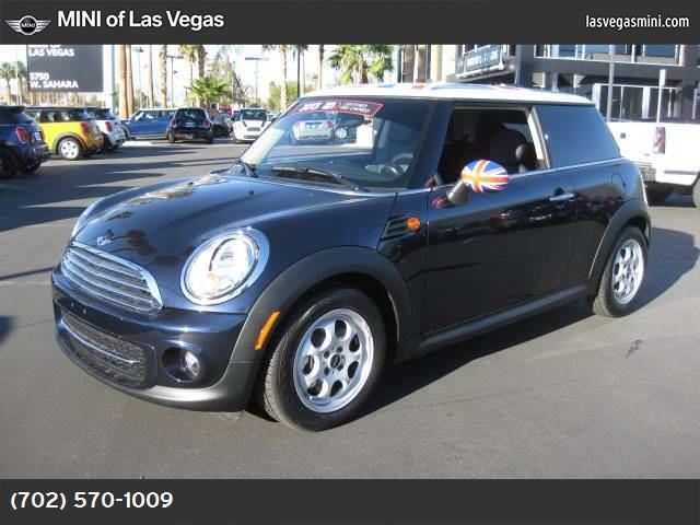 2013 MINI Cooper Hardtop  sport pkg hill start assist control dynamic stability control abs 4-w
