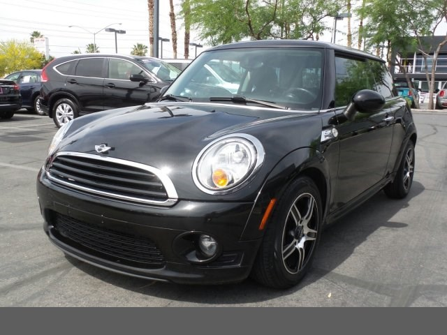 2011 MINI Cooper Hardtop  hill start assist control dynamic stability control abs 4-wheel keyl