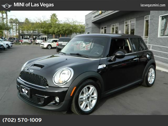 2012 MINI Cooper Hardtop S turbocharged front wheel drive keyless start power steering 4-wheel