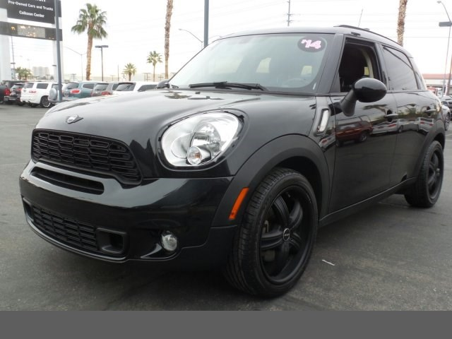 2014 MINI Cooper Countryman S technology pkg hill start assist control dynamic traction control