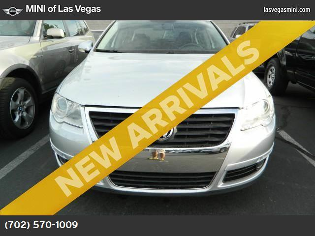 2009 Volkswagen Passat Sedan Komfort traction control stability control abs 4-wheel air condit