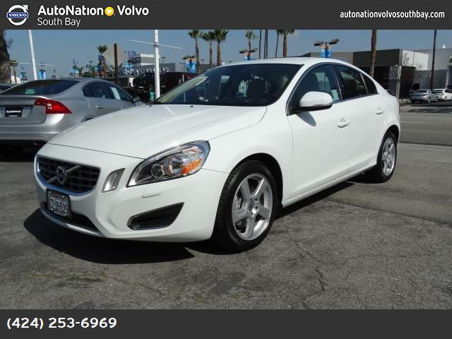 2013 Volvo S60 T5 ice white soft beige  t-tec cloth seating surfaces turbocharged front wheel dr