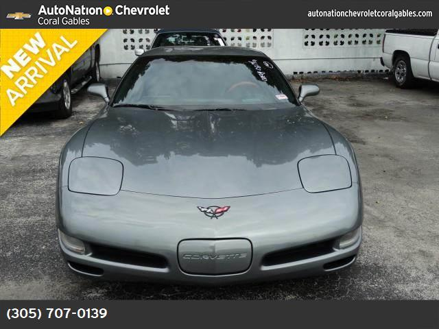 2004 Chevrolet Corvette  traction control abs 4-wheel air conditioning power windows power do