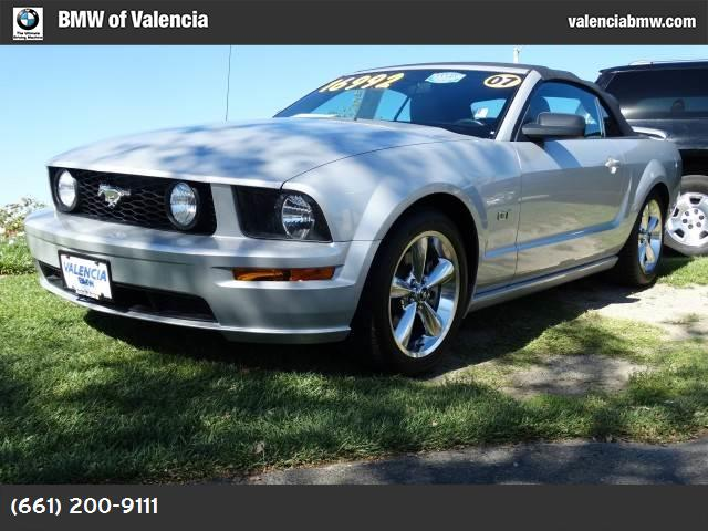 2007 Ford Mustang GT Deluxe traction control abs 4-wheel air conditioning power windows power