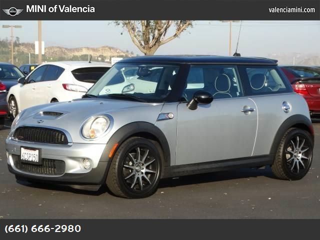 2007 MINI Cooper Hardtop S traction control stability control abs 4-wheel air conditioning po