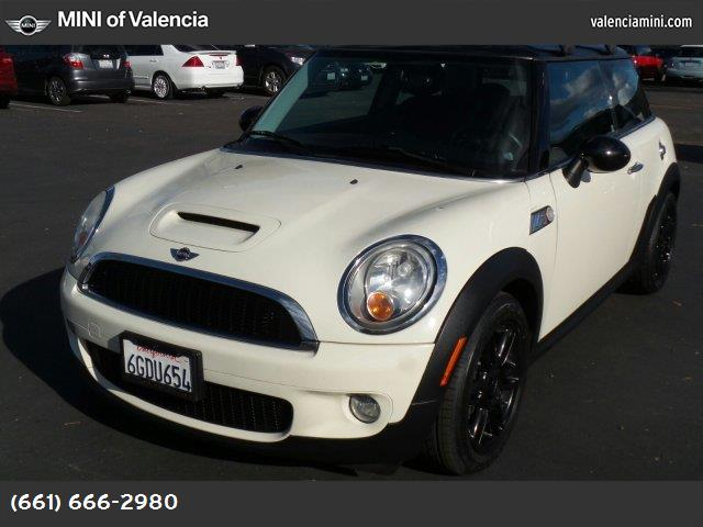 2009 MINI Cooper Hardtop S dynamic stability control abs 4-wheel keyless entry air conditionin