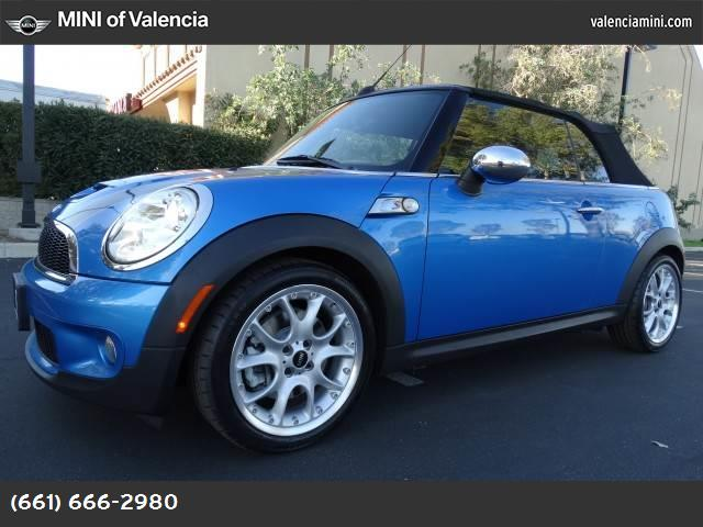 2009 MINI Cooper Convertible S cold weather pkg dynamic stability control abs 4-wheel keyless