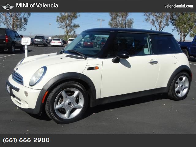2005 MINI Cooper Hardtop  abs 4-wheel air conditioning power windows power door locks cruise