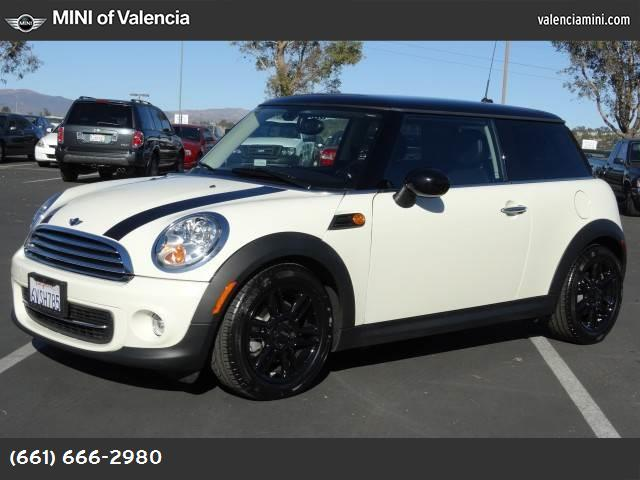 2012 MINI Cooper Hardtop  hill start assist control dynamic stability control abs 4-wheel keyl