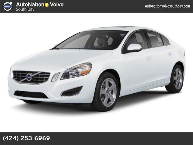 2012 Volvo S60 T5 wMoonroof ice white soft beigeoff-black  leather seating surfaces turbocharge