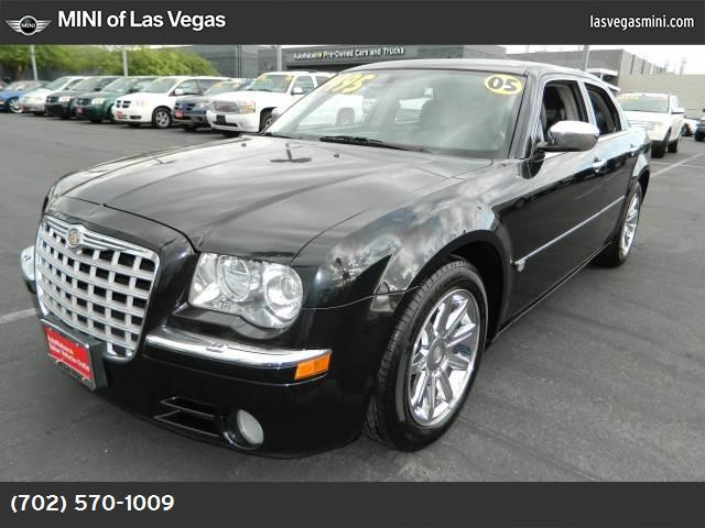 2005 Chrysler 300 300C traction control abs 4-wheel air conditioning power windows power door