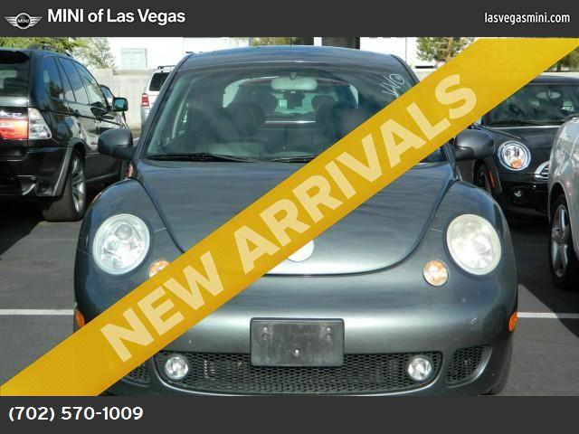 2002 Volkswagen New Beetle S abs 4-wheel air conditioning power windows power door locks crui