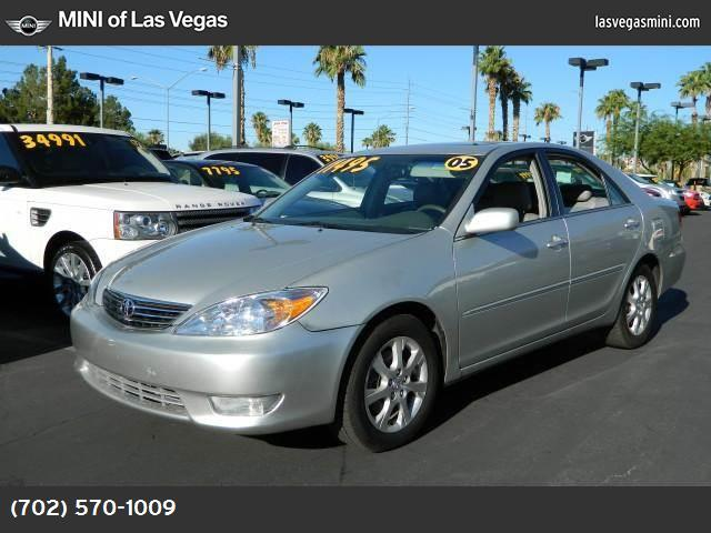 2005 Toyota Camry LE abs 4-wheel air conditioning power windows power door locks cruise contr