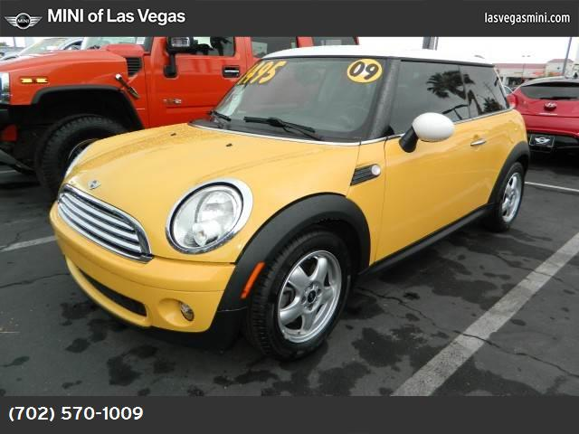 2009 MINI Cooper Hardtop  sport pkg dynamic stability control abs 4-wheel keyless entry air c